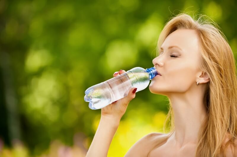 drinking too much water is healthy or not