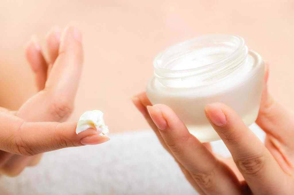 Learn How to Make Your Skin Care Products Effective